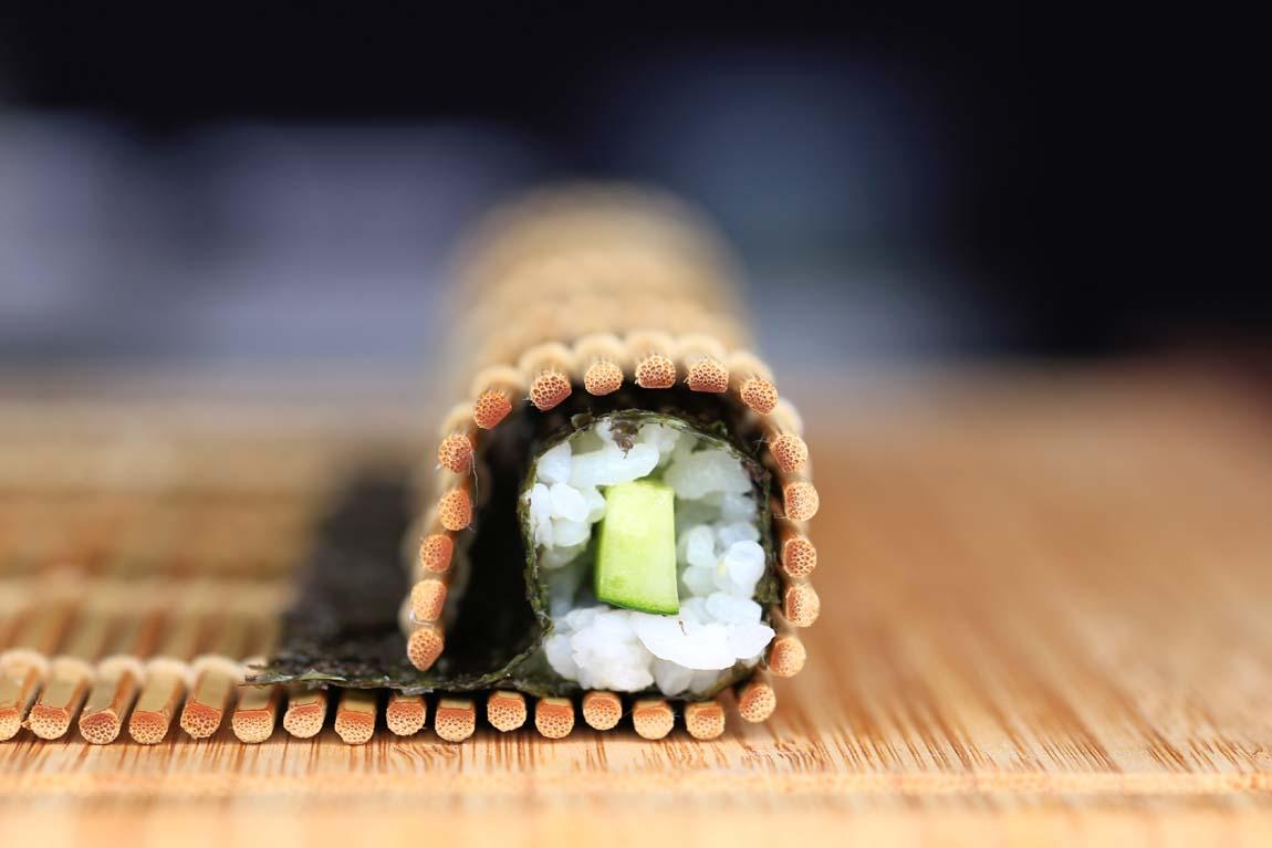 Какую циновку для роллов и суши купить