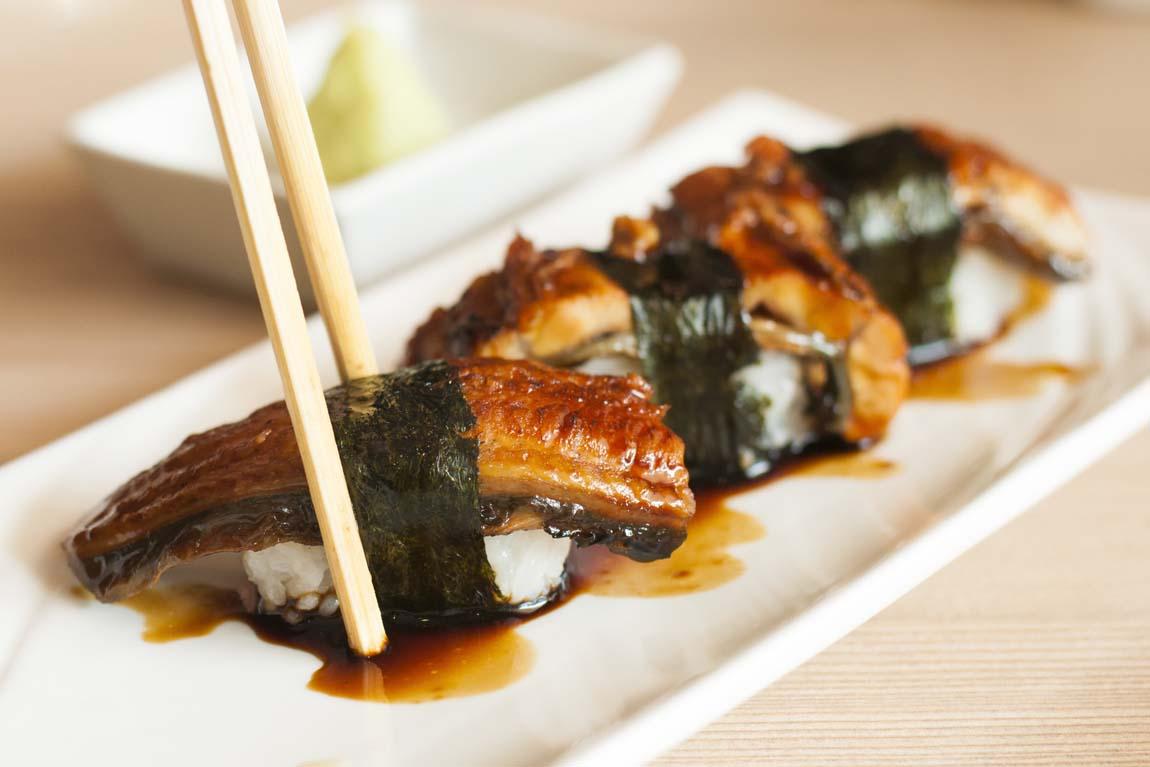 Роллы и суши с угрем – рецепт